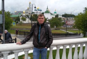 Viktor, 38 - Just Me