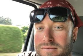 Lee, 38 - Just Me