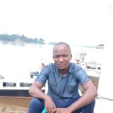 Ange, 18  , Libreville