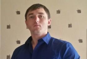 vladimir, 38 - Just Me