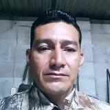 Mario, 40  , San Salvador