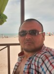 Aron Sayan, 33, Almaty