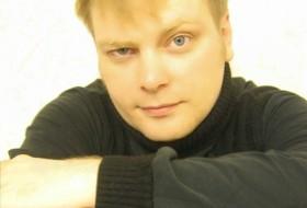 Anton, 39 - Just Me