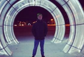 Yuriy Lyalin, 23 - Just Me