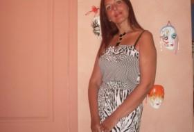 Valeena, 44 - Just Me