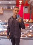 Mario , 21  , Cairo