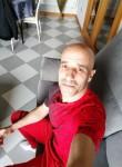 Miguel , 37  , Sao Felix da Marinha