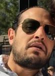 Yassin, 41  , Creteil