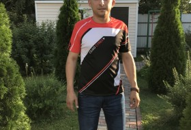 Viktor, 35 - Just Me