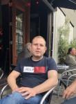 Maksim , 37  , Antwerpen