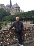 NICOLAE, 62  , Paris