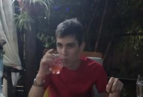 Artem, 24 - Just Me
