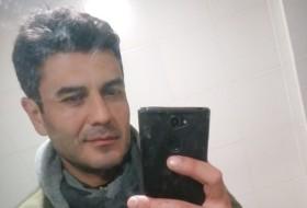 Zaza, 39 - Just Me