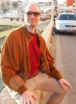 Cristiano, 46  , Albano Laziale