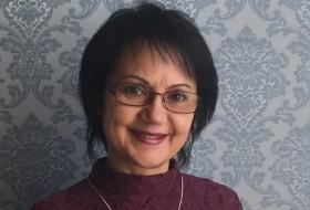 Elvira, 53 - Just Me