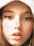 Angellina, 21  , Paris