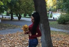 Yuliya , 23 - Just Me