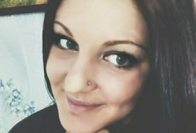Elena, 30 - Just Me