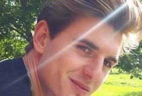 Matthieu, 27 - Just Me