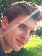 Matthieu, 27, France, Tours