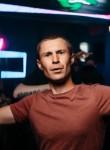 Aleksandr Atra, 27, Zelenogorsk (Leningrad)