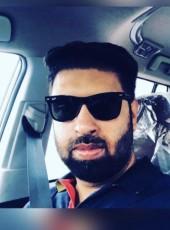 Manindar, 36, India, Noida