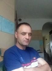 Vitale, 42, Spain, Pamplona