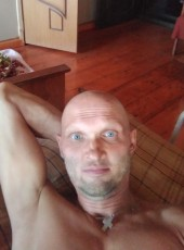 Pavel, 40, Russia, Glazov