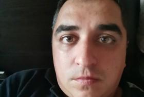 Edgar, 36 - Just Me