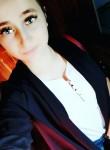 Vikulya , 22  , Lazarevskoye