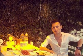 yavuz, 25 - Just Me