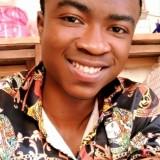 Manix, 19  , Bukavu