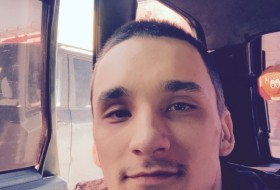 Vladislav, 25 - Just Me