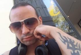 João , 33 - Just Me
