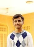 Usama, 18, Jhelum