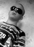 denis, 24  , Glinka