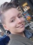 Mareike, 18  , Singen