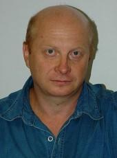 Gena, 56, Russia, Novotitarovskaya