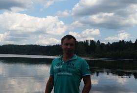 Aleks, 41 - Just Me