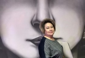 Zara, 52 - Just Me