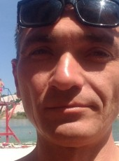 Vitaliy, 40, Ukraine, Kropivnickij