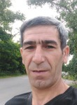 Elsever, 41, Kiev