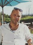Manef, 36  , Al Marsa