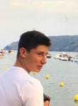 pierrot, 18  , Montpellier