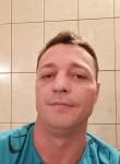 Radu, 36  , Bucharest
