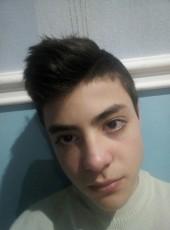 Roman, 18, Ukraine, Berdyansk