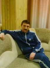 Oleg, 47, Russia, Mirny