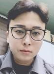 김민재, 32  , Cheonan