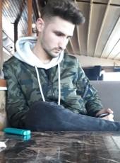 Şafak, 21, Turkey, Istanbul