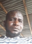 Ichiaka, 40  , Libreville